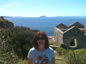 The author at the ruins of Point King lighthouse. This was the 'pair' lighthouse to Breaksea. Breaksea is the island on the right. It's where Fay lived. Keepers signalled to each other with shipping news.